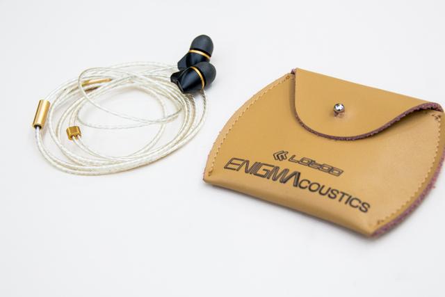 ENIGMAcoustics Dharma D200 - Bőr tok